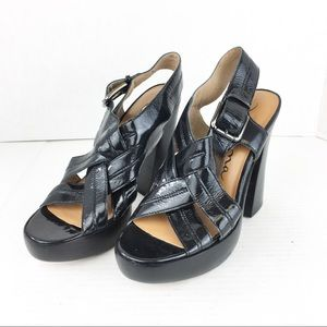 SZ 7 Black Nina Original Sandals
